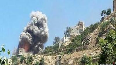 صعدة.. قوات التحالف تقصف مديرية رازح بالصواريخ والمدفعية