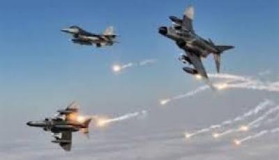 طيران العدوان يشن اربعة عشر غارة على اربع محافظات